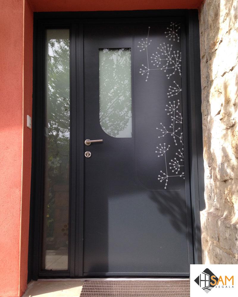 Porte d'entrée 2 vantaux tiercée – vue extérieure