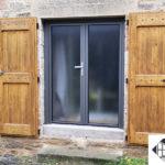 Porte-fenêtre aluminium 2 vantaux – Vitrage granité