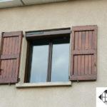 Volet roulant solaire et fenêtre aluminium – Coloris marron ral 8011