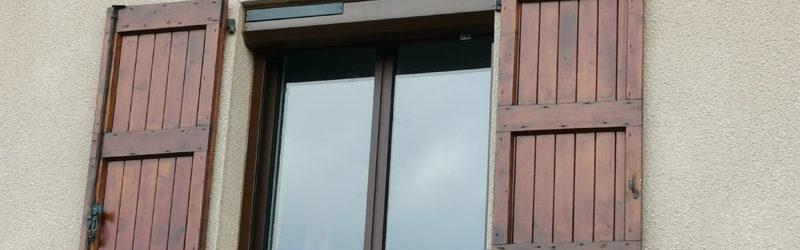 Volet roulant solaire et fenêtre aluminium - Coloris marron ral 8011