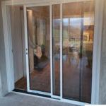 Porte coulissante 3 vantaux en aluminium